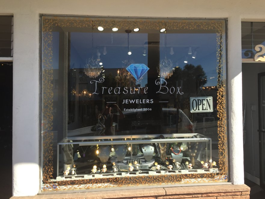 logo design, window vinyl, window graphics, san clemente
