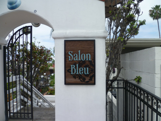 What type of exterior signs can I have in San Clemente