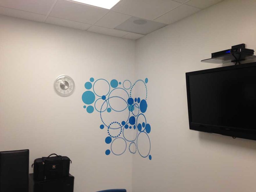 Hybrid wall graphics from starfish signs