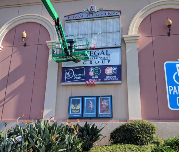 regal-cinemas-led-marquee-sign-installation