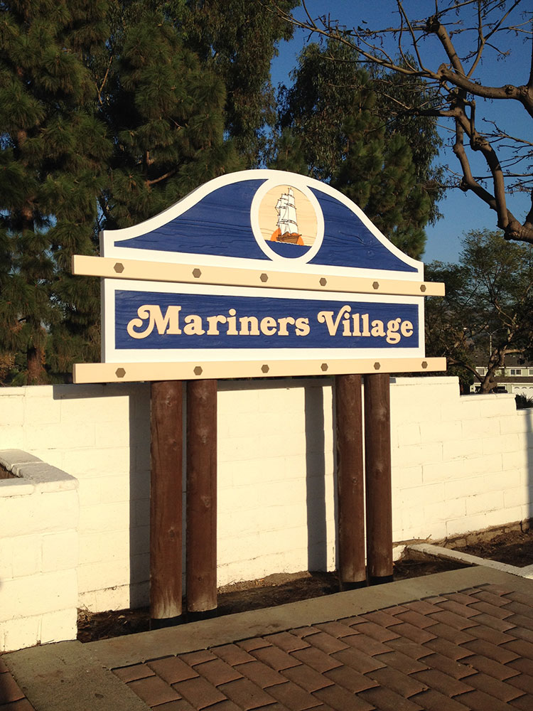 Mariners Village - Monument sign from starfish signs & graphics